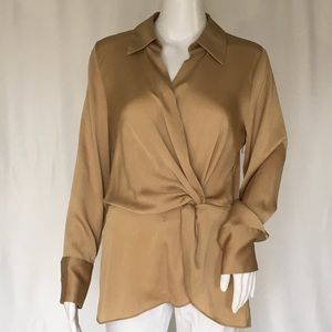 VINCE CAMUTO WOMAN TOP SIZE SMALL GOLD COLOR